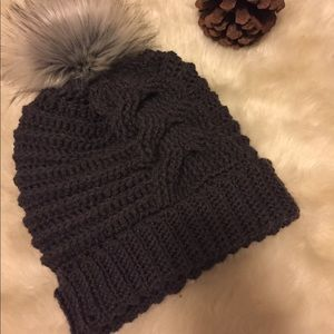 Accessories - Horseshoe Cable Beanie